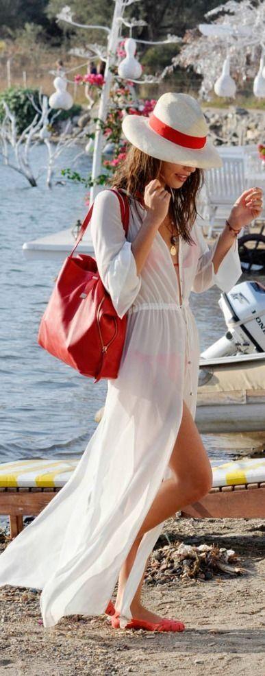 Vestido blanco de playa