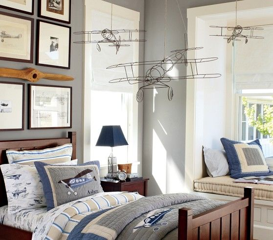 I would give ANYTHING to have these airplanes to hang in the nursery.... too bad they're out of stock.