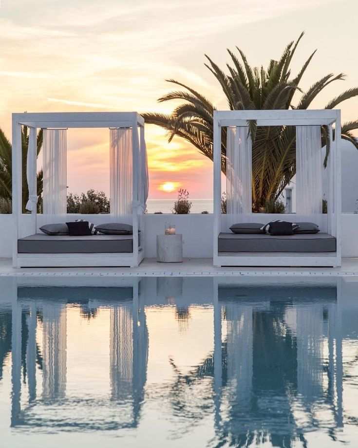 """Gefällt 3,662 Mal, 64 Kommentare - World's Most Wonderful Places (@mydestinationguide) auf Instagram: """"#Mykonos magic, at Livin Mykonos Hotel. #Bookwithtresor the limited Stay 4 Pay 3 offer of the…"""""""