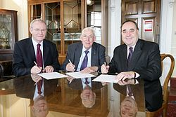 Martin McGuinness - Wikipedia, the free encyclopedia