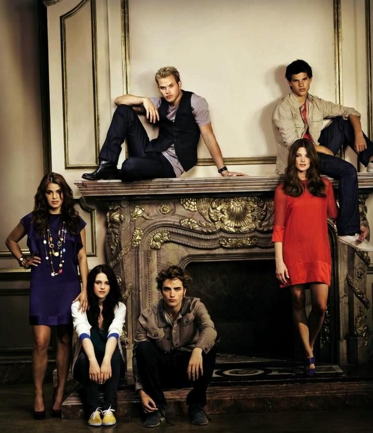 Nikki Reed, Kristen Stewart, Robert Pattinson, Kellan Lutz, Taylor Lautner and Ashley Greene......