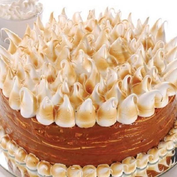 Aprende a preparar torta de alfajor con esta rica y fácil receta.  Si te gusta el dulce de leche este postre es para ti sin duda. Aprende cómo hacer una torta de...