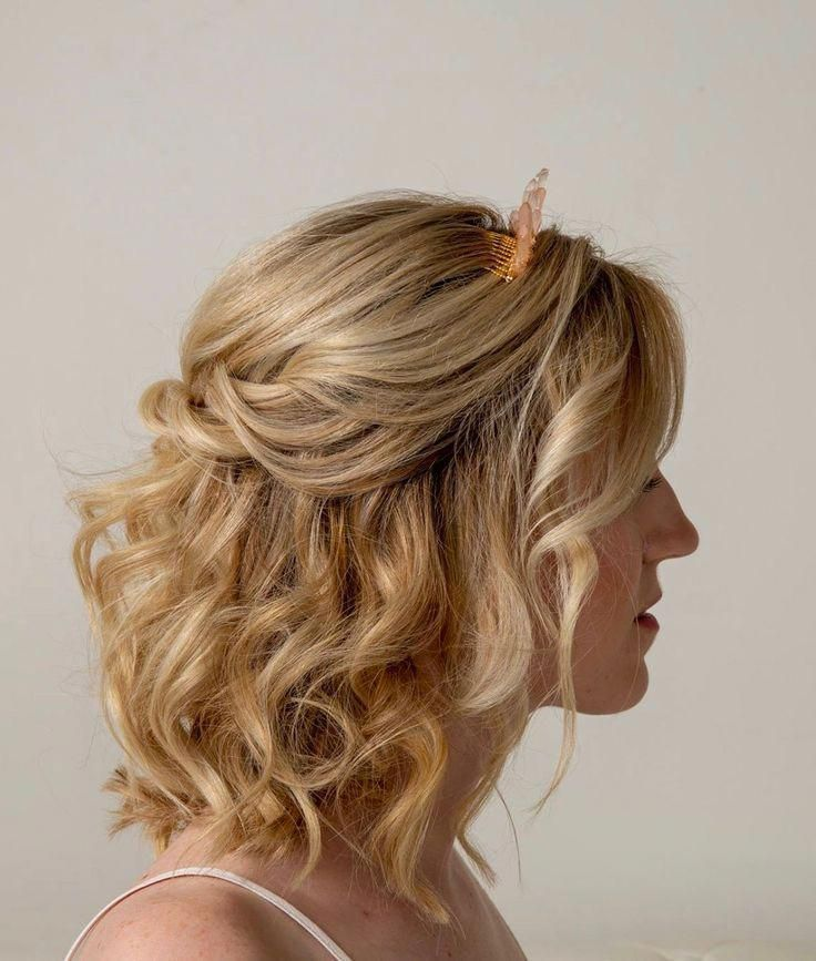 Half Up Half Down Wedding Hairstyle With Soft Curls Hairstyle Makeup By Goldplaited Stinkeye Photog Short Wedding Hair Soft Curl Hairstyles Half Up Hair