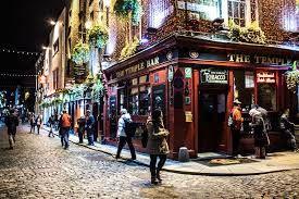 Temple bar  Alexandra College:  Un programa clásico y de gran calidad en la ciudad de Dublín.   #WeLoveBS #inglés #idiomas #Dublin #Irlanda #Ireland   #Jóvenes #adolescentes #summer #young #teenagers #boys #girls #city #english #awesome #Verano #friends #group #anglès #cursos #viaje #travel #Love #Family #SecondFamily #Emotion #InmersiónLigüística #WeLoveBS #inglés #idiomas