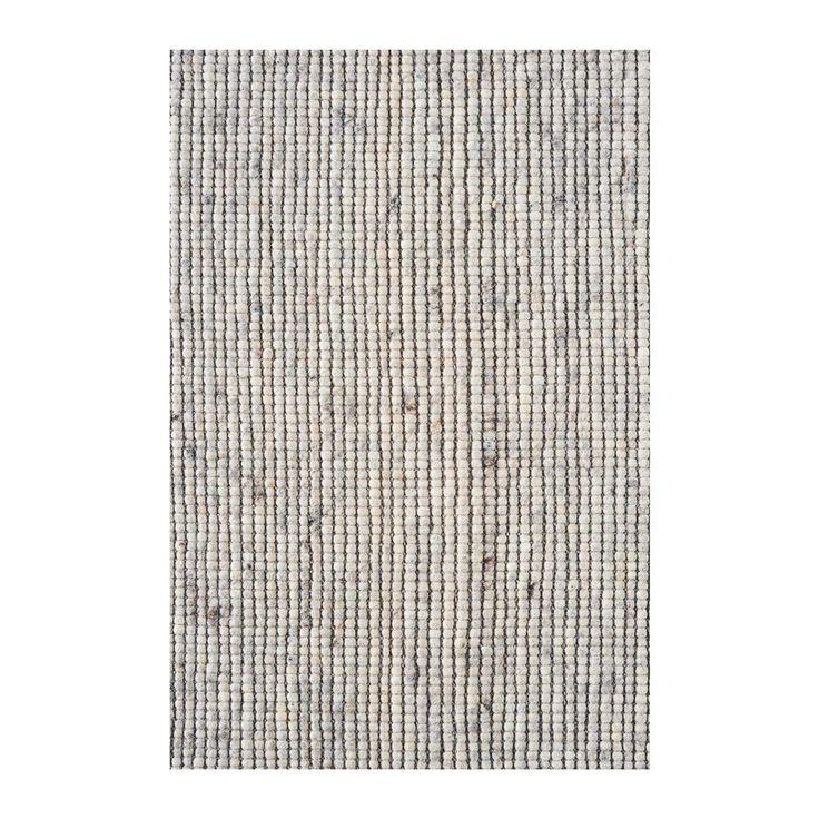 Geen doorsnee vloerkleed, maar ook niet té opvallend. Het MOOS Wool Weave kleed bestaat uit kleine bolletjes wolvilt, die op een slimme manier verweven zijn met het onderkleed. Het resultaat: een speels patroon en een warme, knusse uitstraling.