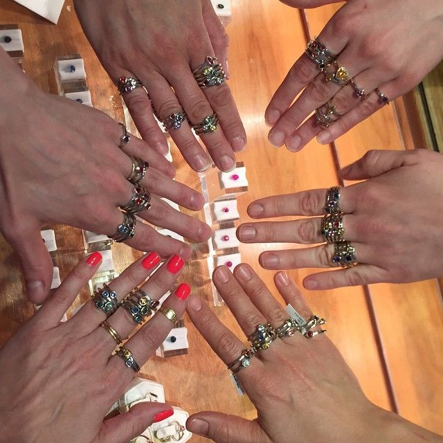 Happy National High Five Day from the #AbraCrew! ✋✨  #SapphireHighFivesAllAround #AbraJewelry #stackables #nationalhighfiveday #ShowMeYourRings (at Abracadabra Jewelry / Gem Gallery)