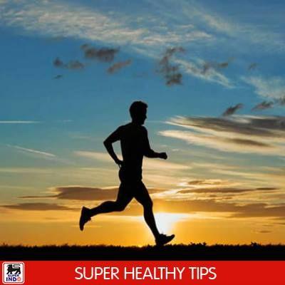 Berlari bisa menurunkan gejala stres dan membantu SIS agar tidur lebih lelap. Selain itu, berlari membantu produksi hormon endorfin yang membuat SIS merasa bahagia. Ayo, segera siapkan sepatu lari Anda untuk besok ya SIS!  image: kompas.com
