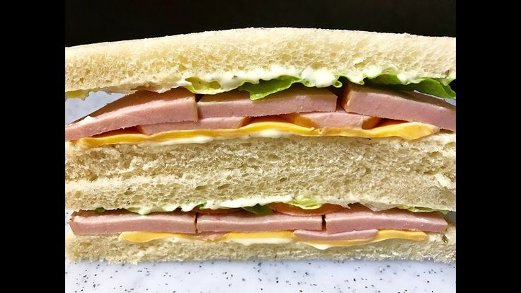 Sausage, Cheese and Lettuce Sandwich : แซนด์วิชไส้กรอกผักกาดหอมและชีส