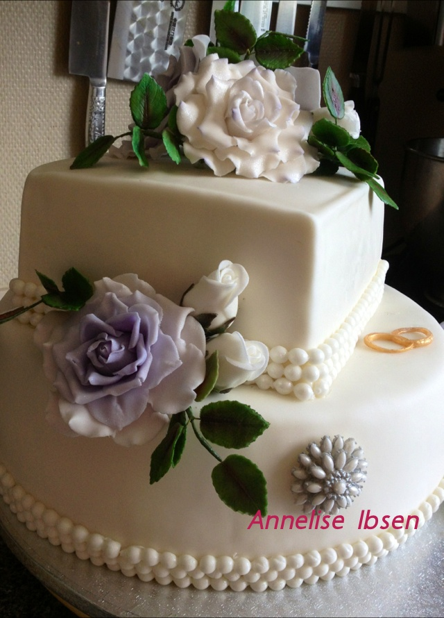 Wedding cake flower Bryllups kage lilla blomster