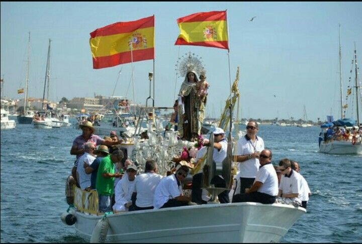 Procesión marinera en honor a la Virgen del Carmen (Lo Pagan).