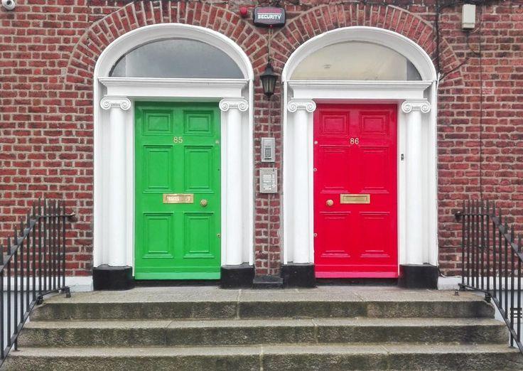 Il cielo sarà anche grigio ma le porte di Dublino sono coloratissime!