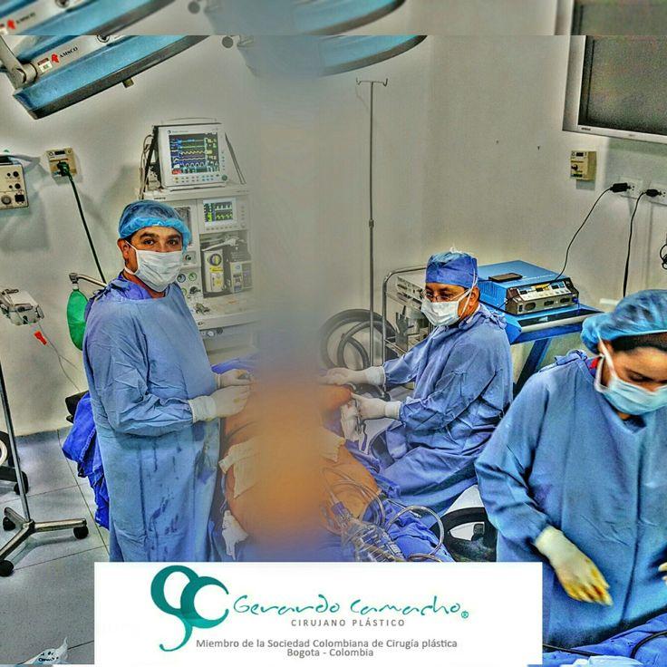 Conocer sobre  #lipolisis #laserlipolisis #lipolisislaser  Dr. Gerardo Camacho  Cirujano Plastico Estetico Reconstructivo  Miembro Sociedad Colombiana de Cirugia Plastica S.C.C.P Bogota - colombia Contactenos +(57) 3187120345  Visita nuestro Website : http://www.gerardocamacho.com  @ #cirujanoplastico  #cirugiaplastica  #cirugiaestetica #cirugiafacial  #cirujanoplasticocertificado  #blefaroplastia  #otoplastia #bodycontour