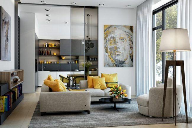 wohnzimmer ideen gelbe akzente wandbild blumenstrauss essstuehle hellgraue moebel stehlampe