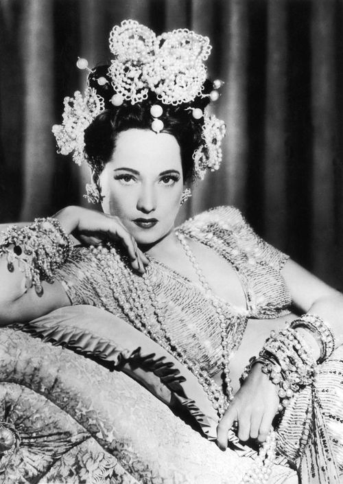 Vintage | Tumblr: Hollywood Glamour, Merleoberon, Classic Beautiful, Movie Stars, Posts, Merle Oberon, Classic Hollywood, Bohemian Woman, Bohemian History