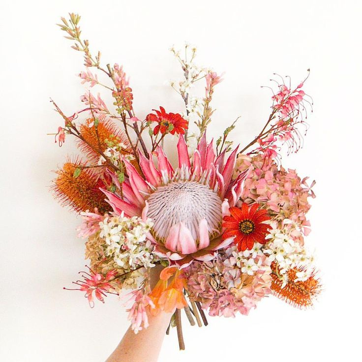 This bouquet is SO pretty, we LOVE it! How amazing are those flowers, we have never seen anything like it! Definitely inspired by natures beauty in this photo!