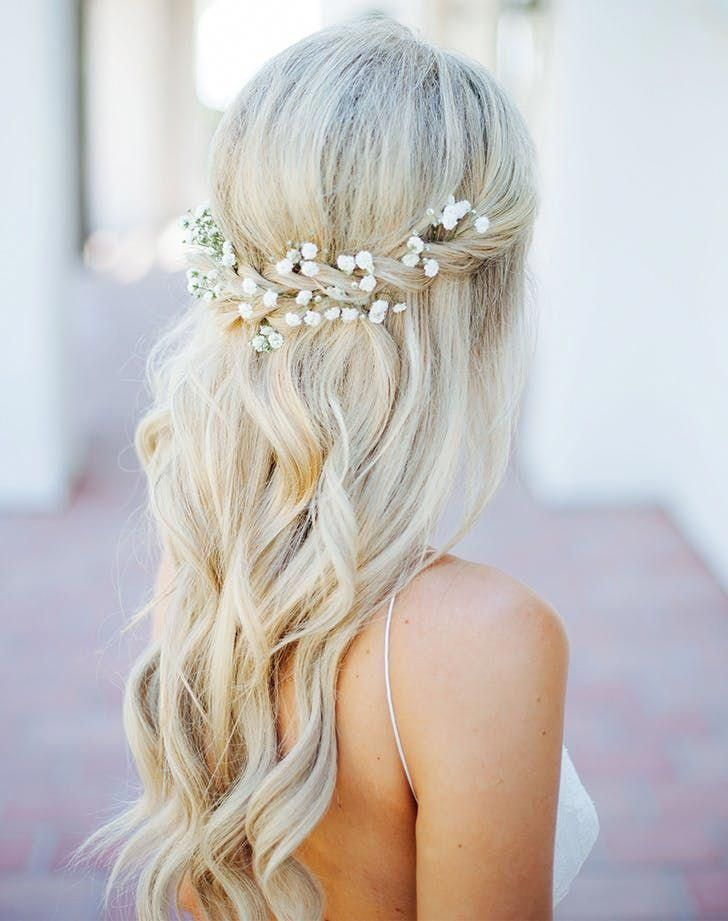 The Babybreath Details In This Wedding Hairstyle Will Take Your Look To A Whole Babybreath Frisur Hochzeit Frisuren Hochzeit Frisuren Offene Haare Hochzeit