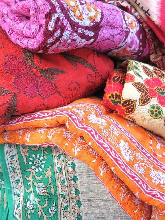 loving the colors, textures and patterns of this pretty vintage Sari fabric