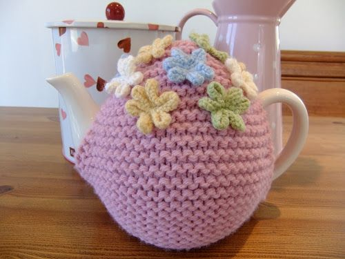 @ Ladybird Diaries: Free pattern - Tea Cosy