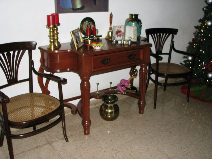 Dresser estilo Lola y dos sillas Tonet. Navidad 2013 entregadas a Carolina Schartz