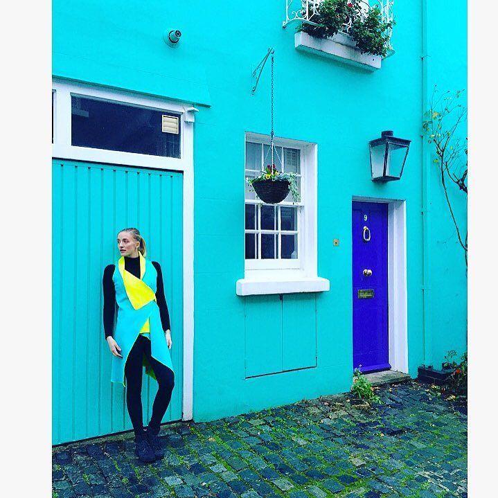 perfect match in Notting Hill  #madamekukla #kukla #london #nottinghill #shooting #behindthescenes #wrapdress #fashion #fashionista