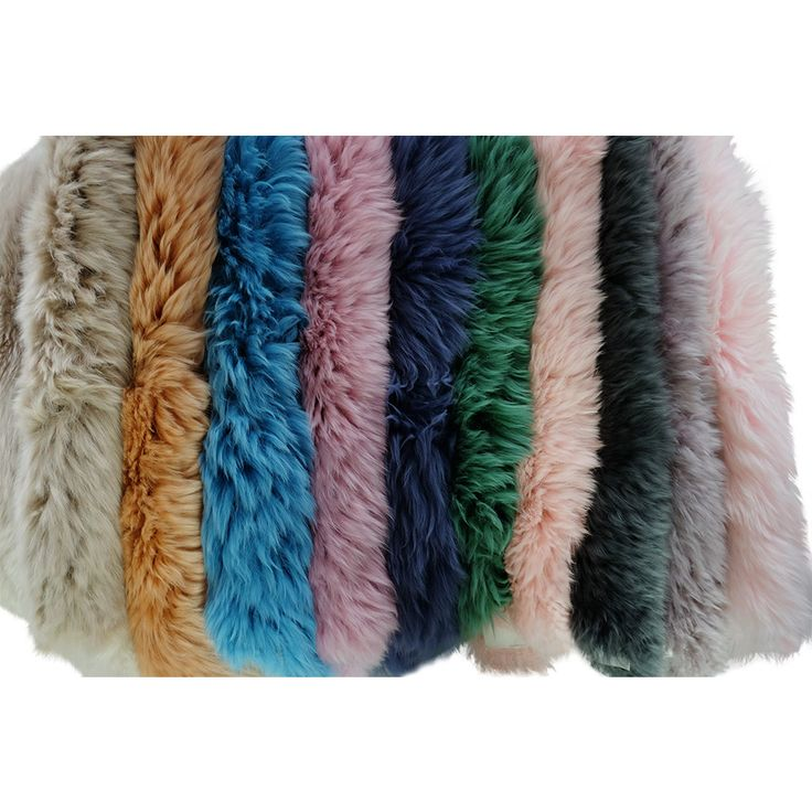 Nieuwe zachte kleuren schapenvachten. Alle vachten zijn zacht en heerlijk voor op de bank! #new #schapenvacht #schapenvel #sheepskin #colours #roze #blauw #zilver #dutchskins