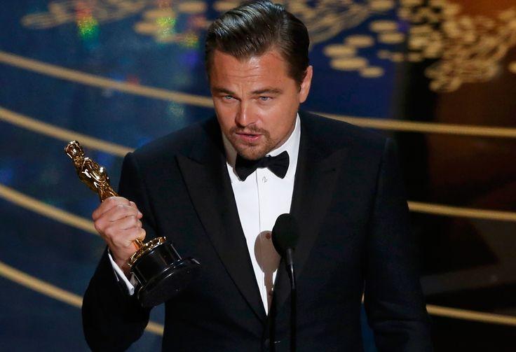 Leonardo DiCaprio recebe Oscar de melhor ator por 'O regresso''. Veja as fotos da premiação http://glo.bo/21xxxUB #G1 #Oscar #Dicaprio