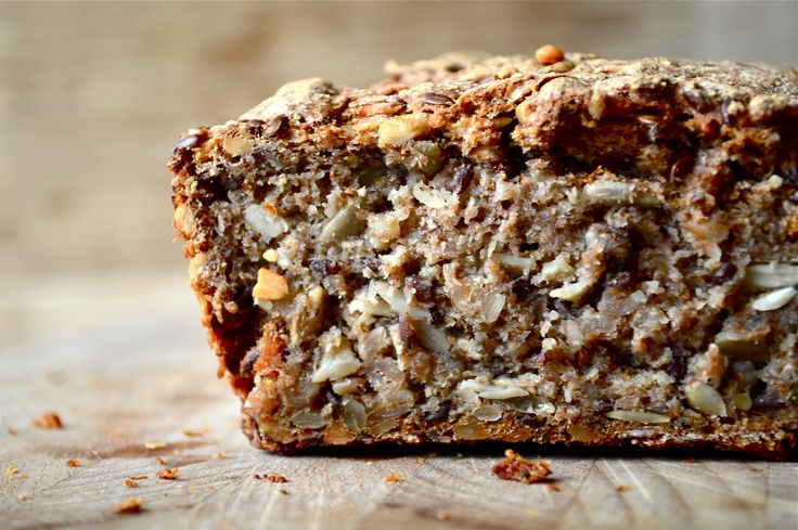 Danish Rye Bread - Rugbrød. Super delicious, healthy and filling. 100% wholegrain. Recipe || The Smoothie Lover