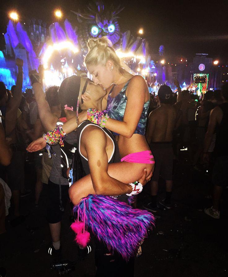 Rave couple goals ✨ Edm festival EDC iheartraves rave outfit inspo #edcoutfit