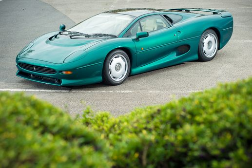 1991 Jaguar XJ220 - Silverstone Auctions