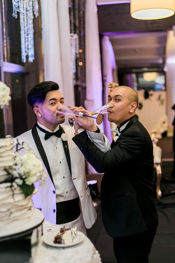 Champagne toast to the newlyweds!