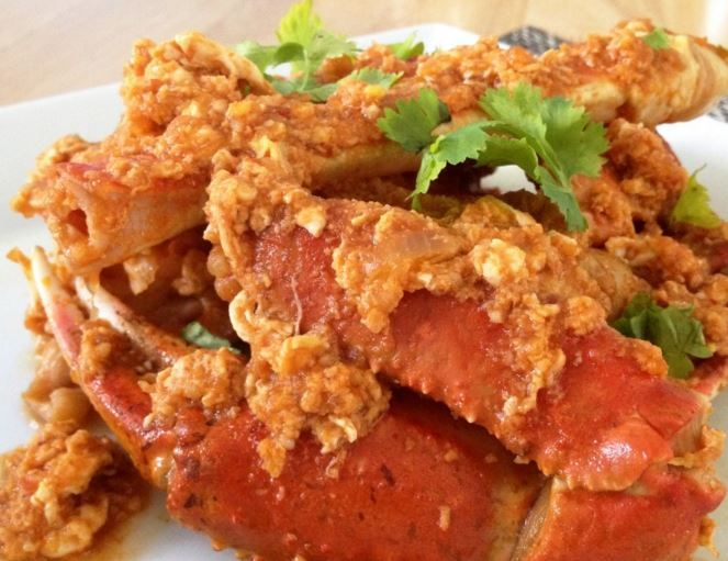 Sweet And Spicy Singapore Chili Crab Claws Recipe - http://www.deliciousfoodguide.com/singapore-chili-crab-claws/