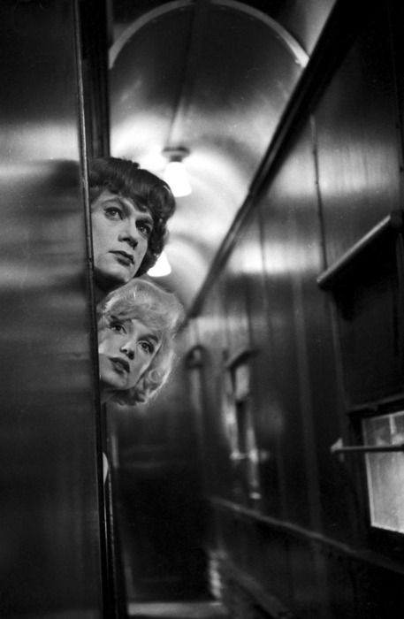 "Tony Curtis as Josephine & Marilyn as Sugar Kane in ""Some like it hot"" 1959"
