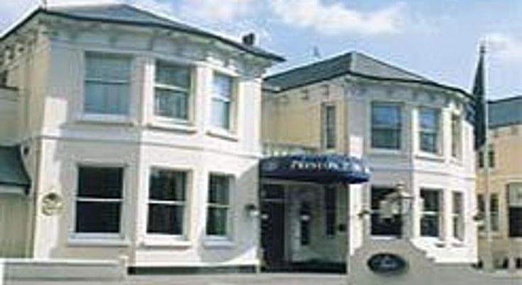 Preston Park Hotel Brighton & Hove Situated in Preston Village, Preston Park Hotel has a 24-hour front desk and a bar, and offers rooms with on-site private parking free of charge. WiFi is available in the hotel's public areas.