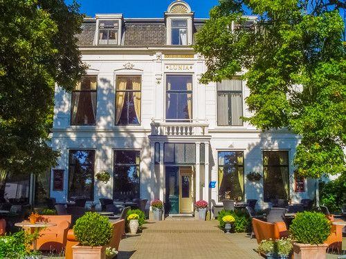 Hotel Lunia in het friese Oldeberkoop is verkozen tot beste landelijke hotel 2015. www.hotels.nl
