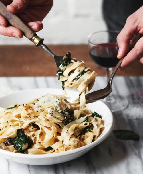"intensefoodcravings:  "" Fettuccine with Caramelized Onions + Swiss Chard 