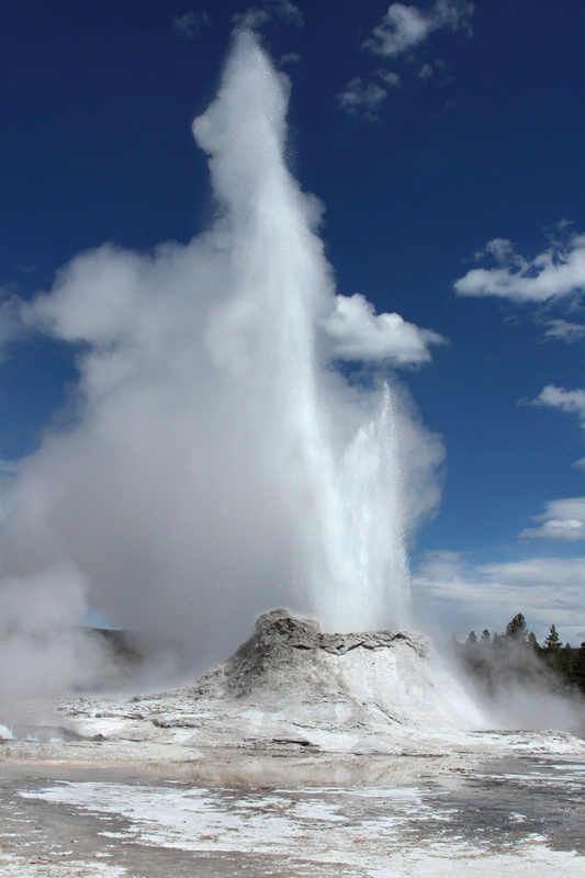 "There's a super-volcano right here in the USA?? ""Yellowstone Geothermal Features"" Photo by Alan Jones"