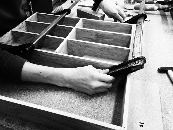 Custom made division in massive oak I atelier Deco-Lust
