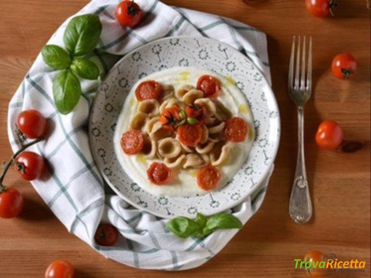 Orecchiette Integrali con Pomodoro e Mozzarella  #ricette #food #recipes