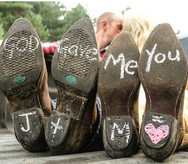 Cute country wedding/engagement photo!