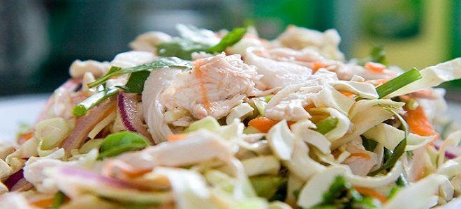 Салат с капустой и курицей. Ингредиенты: кочан - 1/4 шт.; куриное филе - 250 г; красный лук - 1 шт.; морковь - 1/2 шт.; свежий укроп - горсть; оливковое масло - 70 мл; уксус - 1 ст. ложка; зубок чеснока - 3 шт. Приготовление Филе отварите и нарежьте. Овощи измельчите и соедините с мясом. Приправьте и угощайте салатом из капусты своих домочадцев.