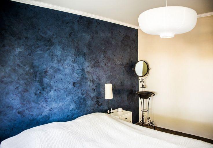 Beautiful Marmorino wall in bedroom.