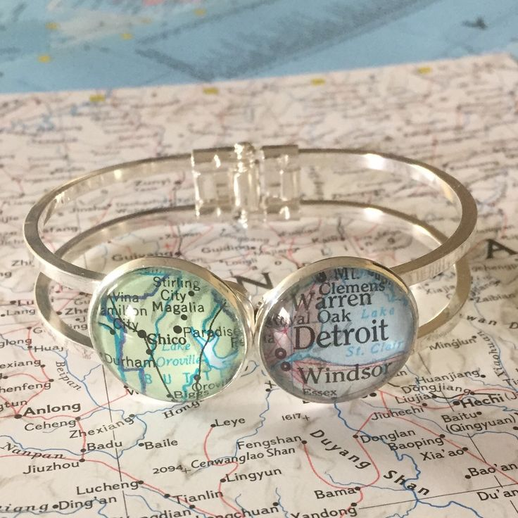 Friends are never really that far away, even if you don't live near each other! This cuff is a reminder that friendship knows no distance.  Perfect for graduation day and moving away gifts.