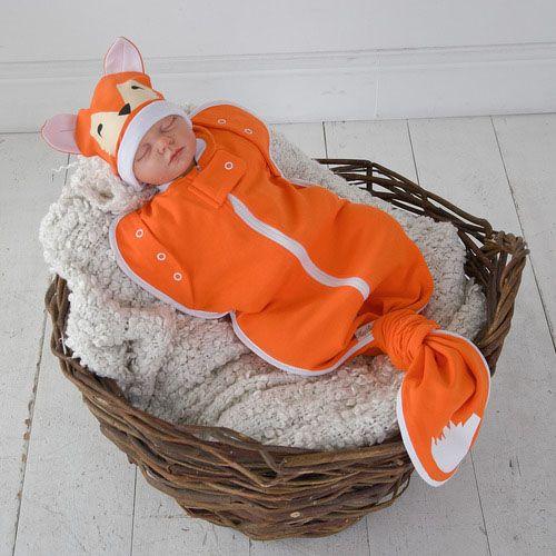 Яркая пеленка кокон на молнии Лиса от MagBaby оранжевого цвета