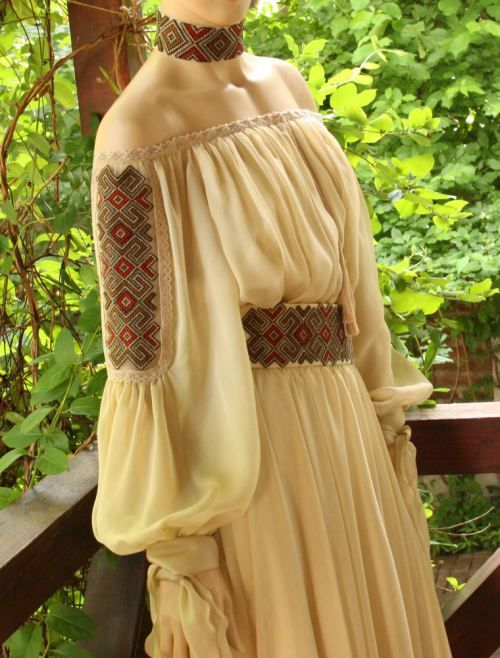 traditional romanian wedding dress