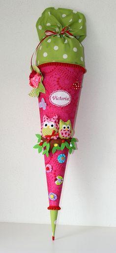 Schultüte, Zuckertüte zum Schulanfang mit Eulen, Einschulung / pink candy cone with owls, first day of school made by Anastasiyas Stoffmärchen via DaWanda.com