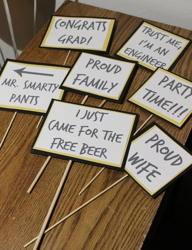 DIY photo booth prop signs. Perfect for graduation and special celebrations!