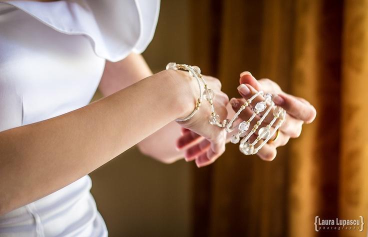 Wedding Lucia & Marius. Bride getting ready. Bracelet