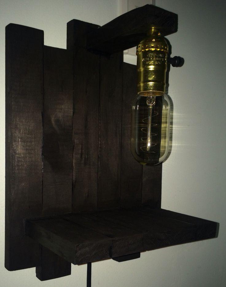 Lampara mini estand de noche. #madera #Bombillo_Edison