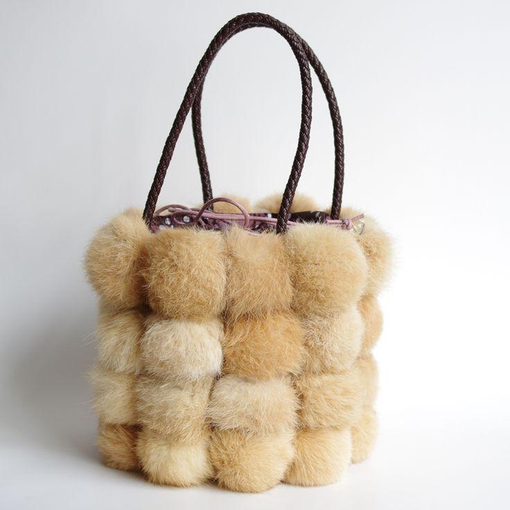 Rabbit bucket bag The new women's autumn and winter fashion fur handbags small bag plush bag Free shippingкупить в магазине REDITALYнаAliExpress