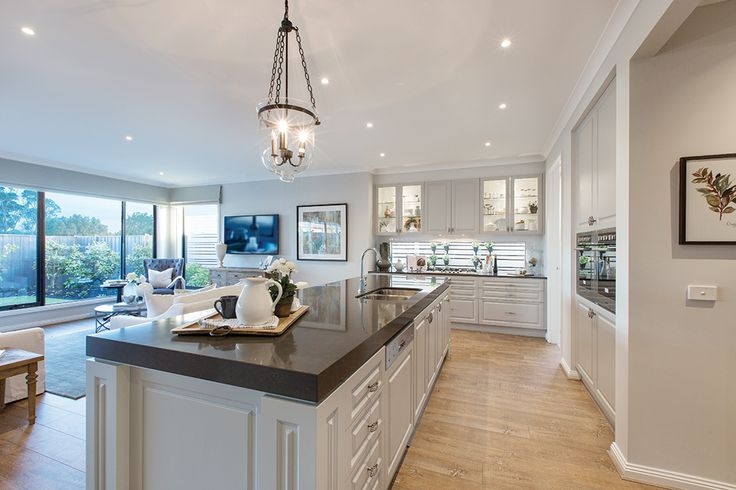Entertainer Kitchen in the Plaza 44L with a Champagne France World of Style.
